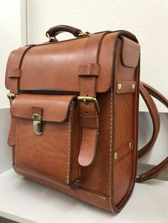Leather Backpack For Men, Leather Briefcase, Leather Wallet Pattern, Messenger Bag Backpack, Work Bags, Leather Bags Handmade, Leather Projects, Leather Accessories, Canvas Leather