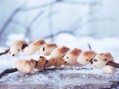 Stockbrot ist ein Rezept mit frischen Zutaten aus der Kategorie Brotteig. Probieren Sie dieses und weitere Rezepte von EAT SMARTER!