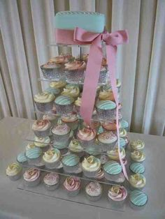Pastal shades for a summer wedding. Cupcakes by Charlotte Jane Cakes.