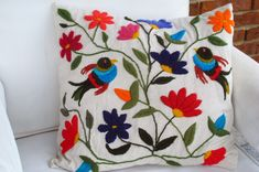 Hungarian embroidery from Kalocsa Mexican Embroidery, Hungarian Embroidery, Silk Ribbon Embroidery, Crewel Embroidery, Cross Stitch Embroidery, Embroidery Patterns, Pillow Embroidery, Embroidery Stitches Tutorial, Mexican Pattern