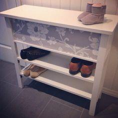 Homemade table/shoe shelf for my hall!