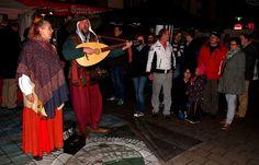 """Die schönsten Lieder aus längst vergangener Zeit, ... hört man dieser Tage wieder in verschiedenen Fußgängerzonen diverser Städte im Saarland. Besonders auf Weihnachts- und Mittelaltermärkten. Auch von den Heidweilers. <a href=""""http://www.von-heidweiler-musik.de/"""">http://www.von-heidweiler-musik.de/</a>"""