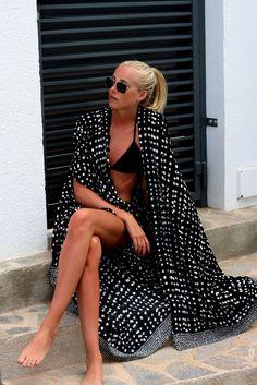 Holiday style - black bikini and long kimono