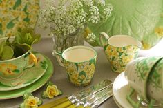 Green and yellow Honeysuckle Cottage, Grove Farm, Lime Sorbet, Yellow Cottage, Teapots And Cups, Bedroom Green, Pink Grapefruit, Spring Home, Lemon Lime