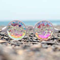 海外セレブに大人気 万華鏡の世界が広がる「カレイドスコープサングラス」日本上陸|株式会社HAPPYJOINTのプレスリリース