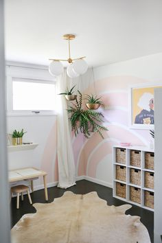 48 Beautiful Diy Accent Wall Interior Design Ideas For Your Inspiration - The eye goes to color, and when color is placed around a room your eye moves from one area to another taking in the entire space. Using color as a foc. Little Girl Rooms, New Room, Room Inspiration, Bedroom Decor, Girls Room Wall Decor, Nursery Decor, Interior Design, Decoration, Beautiful Mess