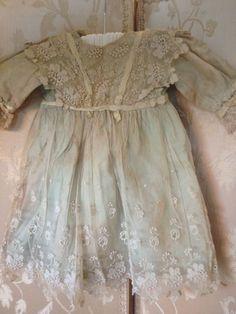 Pretty little Bridesmaid idea Antique Lace, Vintage Lace, Baby Kids Clothes, Doll Clothes, Vintage Outfits, Vintage Fashion, Princess Tutu, Old Dresses, Special Dresses