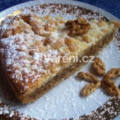 Koláč s ořechovou náplní recept - Vareni.cz Desert Recipes, Banana Bread, French Toast, Cheesecake, Deserts, Food And Drink, Cooking Recipes, Baking, Breakfast