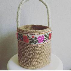 By @lily___handmade @lily___handmade @lily___handmade 💜💜💜#haken #handmadebasket #penyesepet #penyeip #penyeipsepet #crochetbasket #вязание#вязаниекрючком #かぎ針編み#hekle#knittinginspiration#knitters#örgüsepet#crochetinspiration#crochetando#tricot#szydelko#ganchillo #hoookedzpagetti #trapillo#tejer#tshirtyarns #decorinspiration #tshirtyarn#crochetbag #lindaa#crochetpillow#ganchilloxxl#fiodemalha#lindaa#zpagetti