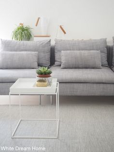 White Dream Home: Kumpi sohva?