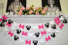 Minnie Mouse inspired paper garland, banner decorations birthday clubhouse, pink black white Minnie head bow heart garland, Minnie birthday