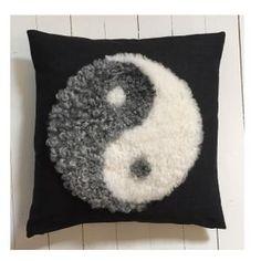 Nice yin & yang cushion from www.kuddebo.se