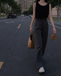 Teen Fashion Outfits, Mode Outfits, Retro Outfits, Cute Casual Outfits, Vintage Outfits, Summer Outfits, Girl Outfits, Korean Girl Fashion, Korean Street Fashion