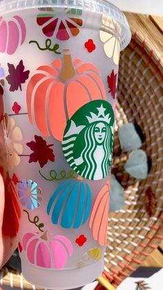 Starbucks Cup Art, Custom Starbucks Cup, Crafts To Do, Fall Crafts, Diy Crafts, Diy Tumblers, Custom Tumblers, Cricut Explore Projects, Cricut Craft Room