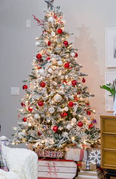 A Very Merry and Bright Home Tour Part 1 - The Home I Create flocked-christmas-tree Christmas Tree Inspiration, Christmas Tree Design, Christmas Tree Themes, Rustic Christmas, Winter Christmas, Christmas Home, Christmas Tunes, Christmas Snowman, Simple Christmas
