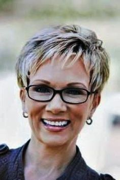 Short Hairstyles for Women Over 60 with Glasses images