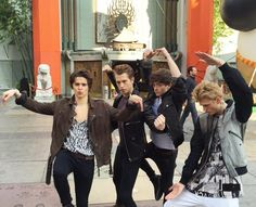 The Vamps showing their moves. Connor looks more like a ballerina dancer with that pose. Bradley Simpson, The Vamps 2016, Kung Fu Moves, Vamps Band, Bradley The Vamps, Will Simpson, New Hope Club, 1d And 5sos, Celebs