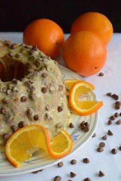 Appelsiini-suklaakakku, jossa maistuu appelsiini ja suklaa sekä itse kakussa, että kuorrutuksessa