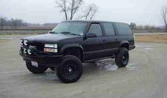 Sell used 1993 GMC Suburban 4X4 Lifted V8 K1500 3 rows seating ...