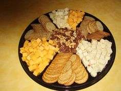 nuts, cheese & crackers for the cocktail hour at the reception Sausage Platter, Cheese And Cracker Platter, Cheese Platters, Cheese And Crackers, Appetizers For Party, Appetizer Recipes, Party Trays, Reception Food, Veggie Tray