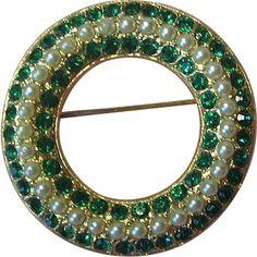 Weiss Small Circle Pin Emerald Green Rhinestones & Imitation Pearls