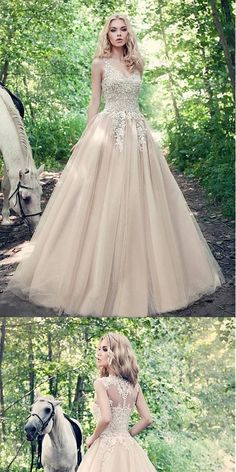 Fabulous A-line Ivory Tulle V-neck Ball Gown Wedding Dresses With Lace Appliques