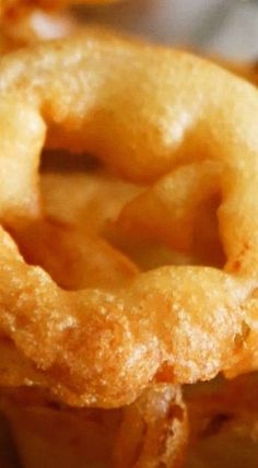 Best Beer Battered Onion Rings cup all-purpose flour 1 tsp baking powder 2 tsp table salt 1 cups kraft beer Onion Recipes, Beer Recipes, Side Dish Recipes, Fish Recipes, Seafood Recipes, Great Recipes, Favorite Recipes, Side Dishes, Vegetable Recipes