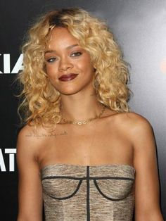 Sexy Medium Curly Rihanna Hairstyle Remy Human Hair Lace Front Wigwig