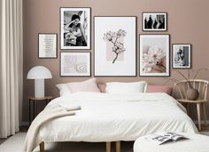 Find inspiration for creating a picture wall of posters and art prints. Endless inspiration for gallery walls and inspiring decor. Create a gallery wall with framed art from Desenio. Gallery Wall Bedroom, Room Ideas Bedroom, Bedroom Wall, Bedroom Decor, Gallery Walls, Bedroom Art Above Bed, Cadre Design, Bed Wall, Spacious Living Room