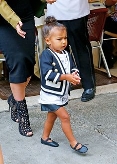 celebritiesofcolor:  North West out in SoHo