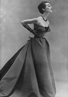1951 Christian Dior, Harper's Bazaar. Love this dress.