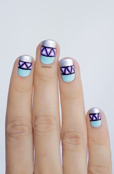 Nail art graphic in mint and lavender