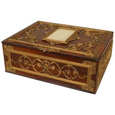 French Victorian large faux wood painted metal jewel box with bronze dore trim and center frame. Woodworking Equipment, Woodworking Box, Woodworking Machinery, Faux Wood Paint, Painted Metal, Decorative Objects, Decorative Boxes, Jewelry Dresser, Pretty Box