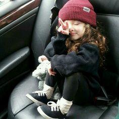 sucha cute little girl outfit. u rock it gurll