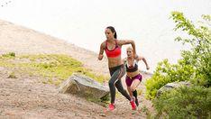 Ποιος είναι ο καλύτερος τρόπος για απώλεια βάρους με το τρέξιμο; Το να απαντήσεις αυτήν την ερώτηση είναι πιο δύσκολο απ' ό,τι ίσως νομίζεις. Ο αριθμός των θερμίδων που καις ενώ τρέχεις καθορίζεται από το πόσα χιλιόμετρα τρέχεις. Οπότε θα μπορούσαμε να πούμε ότι ο πιο αποτελεσματικός τρόπος για να αδυνατίσεις μέσω του τρεξίματος είναι …