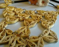 Colar (quilling) dourado Handmade Necklaces, Quilling Earrings