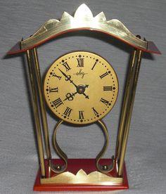 Tisch-Kaminuhr «Pavillon» von ebg im edlen Design 70er deco table clock