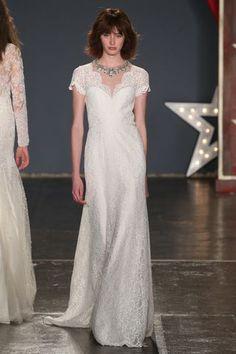 Brautkleider-Trends 2018: DAS sind die 100 schönsten Kleider! : Fotoalbum - gofeminin Trends 2018, Wedding Dresses, Fashion, Photograph Album, Beautiful Dresses, Dress Wedding, Nice Asses, Bride Dresses, Moda