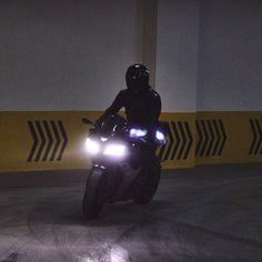 Bad Boy Aesthetic, Badass Aesthetic, Night Aesthetic, Character Aesthetic, Motorbike Girl, Motorcycle Bike, E Motor, Motorcycle Photography, Arte Obscura
