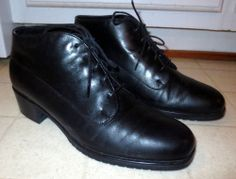 Woman's Munro American Black Leather Lace Up Ankle Boots Size 8 1/2 M Nice  Now $19.87