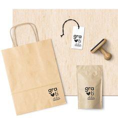 Carimbos especiais para você personalizar o melhor de seu presente. Para caixas, tags, saquinhos e muitos outros materiais. Venha conferir em www.oficinamicxs.com.br  #oficinamicxs #carimbo #carimbopersonalizado #carimboparanegócios #carimbosparaembalagens #carimbosfrases #carimbos #carimbosgratidão  Craft Packaging, Food Packaging Design, Coffee Packaging, Packaging Design Inspiration, Box Packaging, Paper Bag Design, Instagram Blog, Box Design, Diy And Crafts