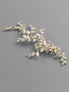Tira radiant accessories Radiant flower brooch oatmeal