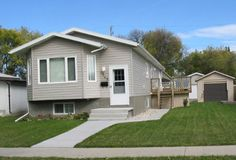Triple Wide Mobile Homes Prices : triple wide mobile home builders. Modular Home Floor Plans, House Floor Plans, Prefabricated Houses, Prefab Homes, Mobile Home Prices, Small Manufactured Homes, Triple Wide Mobile Homes, Modern Modular Homes, Home Pictures