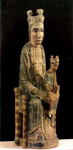 Virgin with Child, polychrome carving from the 12th century. Museum of Art of Catalonia.