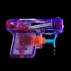 Sebastian Wanke, Splasher, Gun, Pistole, Neon, Art, ©