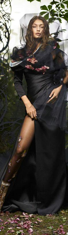 Atelier Versace - Gigi Hadid | LadyLuxury7