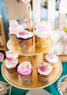 Sweets from Ohh My Sweetness included cupcakes topped with frosted flowers. Photo: April Belle Photos