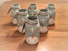 Mason Jar Snowman, Mason Jar Christmas Crafts, Jar Crafts, Christmas Holiday, Holiday Decor, Ball Mason Jars, Mason Jar Gifts, Mason Jar Diy, Crafts With Mason Jars