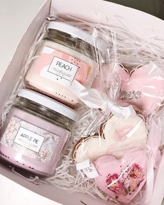 Pink gift box, wedding welcome gift, bridal shower gift, birthday gift Pink Gift Box, Pink Gifts, Cute Candles, Diy Candles, Wax Tablet, Wedding Welcome Gifts, Candle Packaging, Candle Containers, Homemade Candles