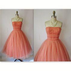 I love vintage clothing!